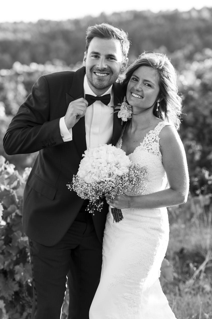 M&R Smoking et Robe de mariée en dentelle