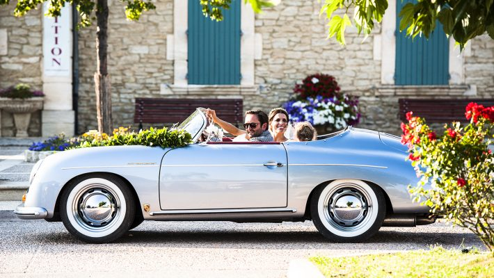 A&N dans leur Porsche ancienne