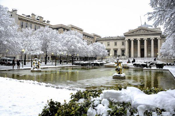 Palais de justice de Marseille sous la neige